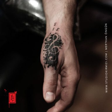sol-anahtari-dovmesi-music-tattoo-