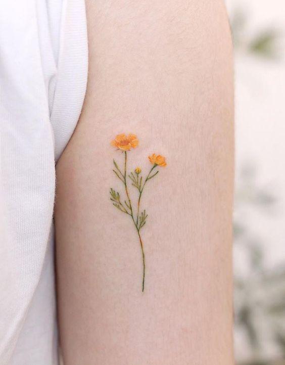 minmal cicek dovmesi minimal flower tattoo2