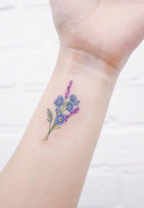 minmal cicek dovmesi minimal flower tattoo9