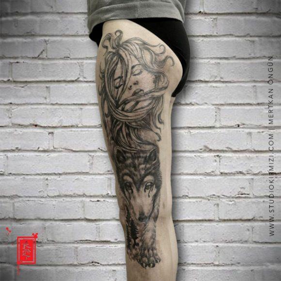 Bacak Kadın Portresi