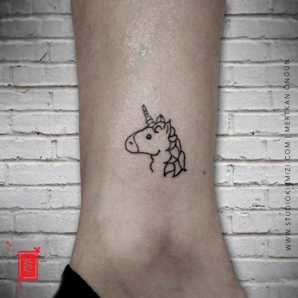 Minimal Unicorn Dövmesi