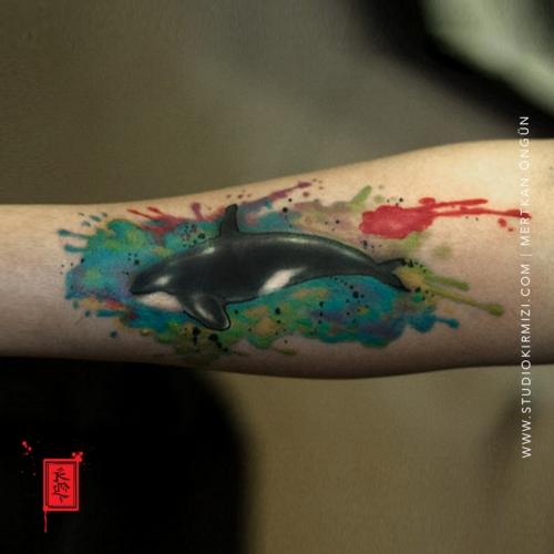 balina-dovmesi-suluboya-dovme-watercolor-tattoo