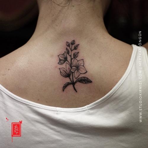flower-tattoo-cicek-dovmesi-bayan-dovme-modelleri
