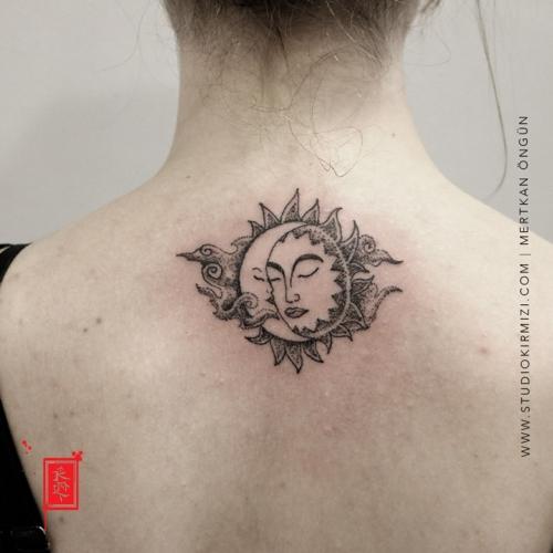 gunes-ve-ay-dovmesi-bayan-dovme-modelleri-minimal-tattoo-minimal-dovme