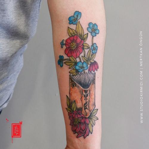 kitap-dovmesi-book-tattoo-taksim-istanbul