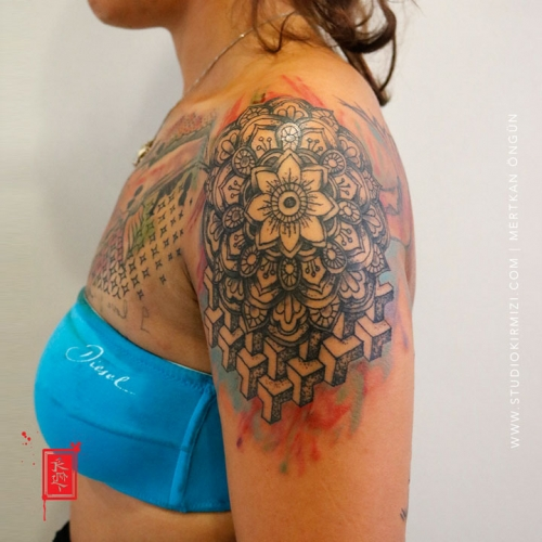 koi-fish-mandala-tattoo-suluboya-dovme-waterkolor-tattoo