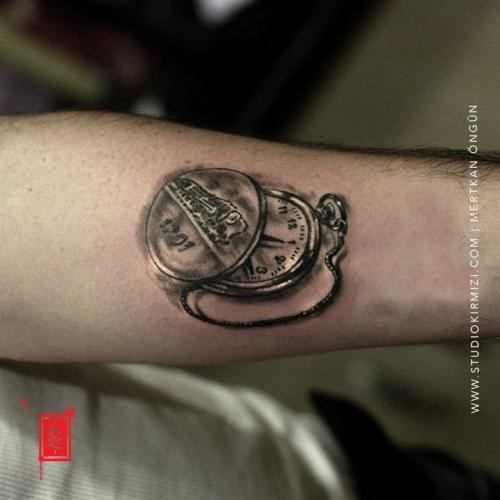 kostekli-saat-dovmesi-old-watch-tattoo