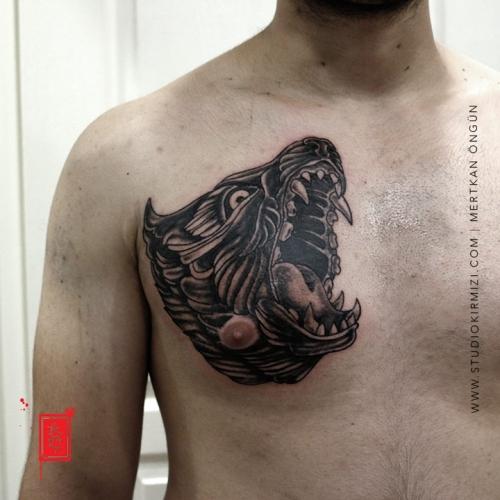 kurt-dovmesi-wolf-tattoo-erkek-dovme-modelleri-gogus-dovme-modelelri