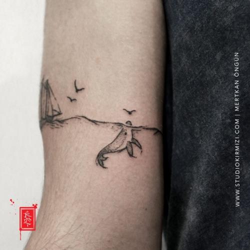 minimal-fish-tattoo-minimal-balik-dovmesi